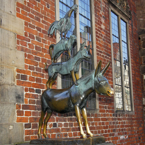 Bronze casting art donkey chicken dogs and cats Bremen Town Musicians statues for sale