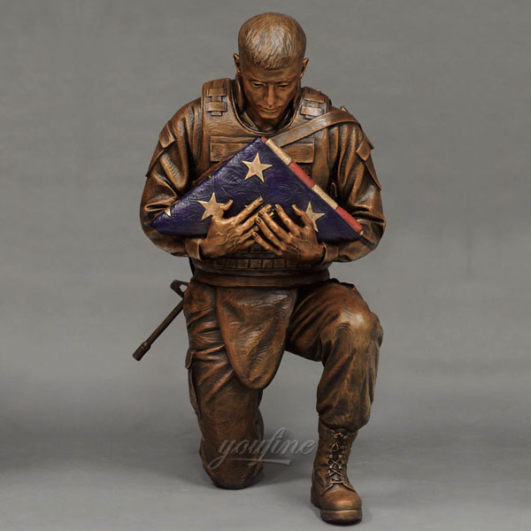 Life size military soldier statues hold flags for sale