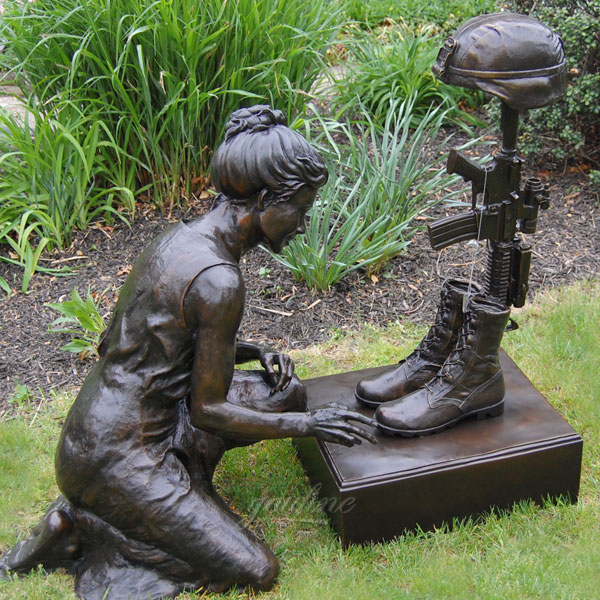 Outdoor bronze fallen solider battle cross statues for surviving family members