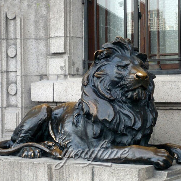 Outdoor bronze lying lion casting art statues for sale