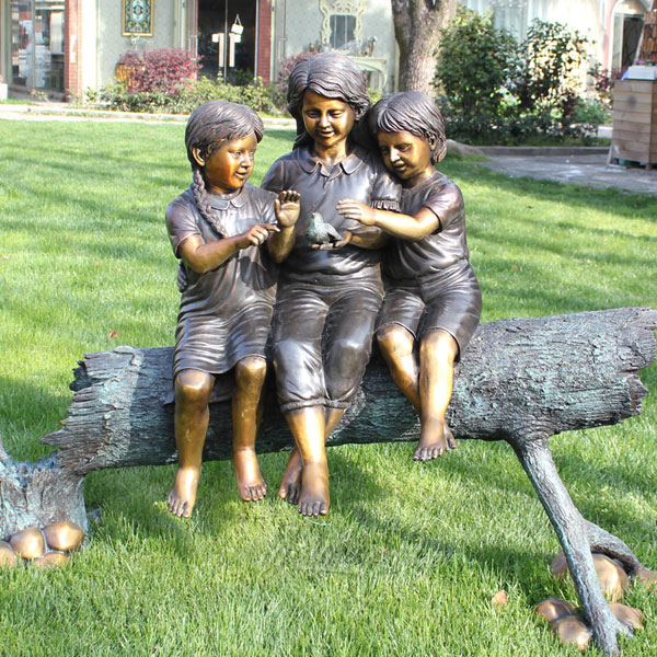 Outside bronze casting metal yard decor three children sitting on tree trunks statues design