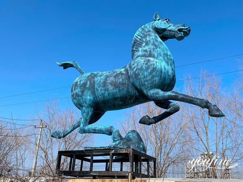 outdoor bronze horse statue